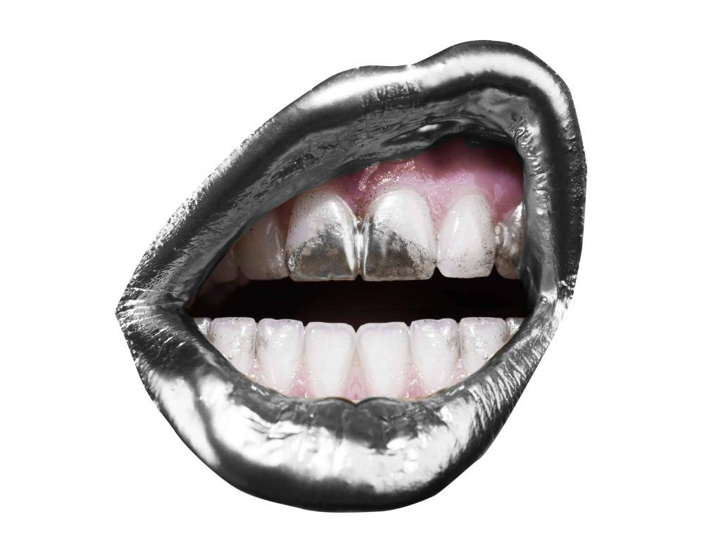 Silver lips and teeth
